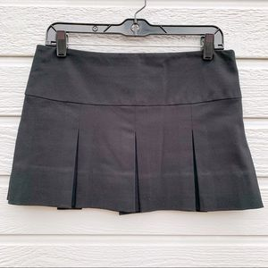 French | Black Pleated Mini Skirt